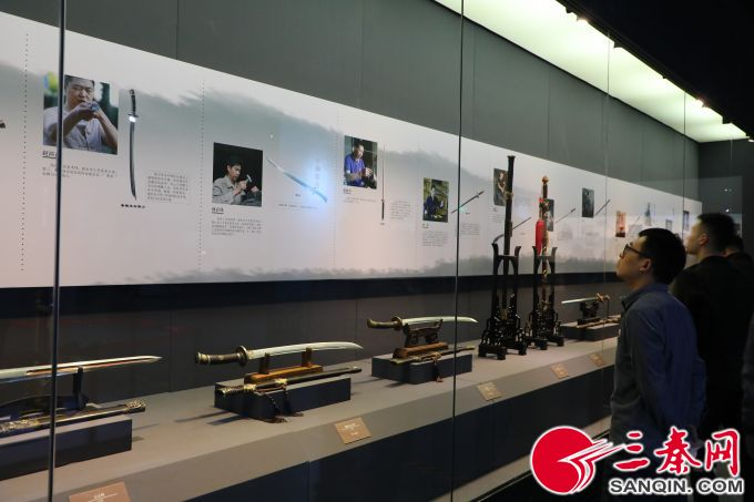 150余件古今龙泉宝剑和青瓷亮相陕历博