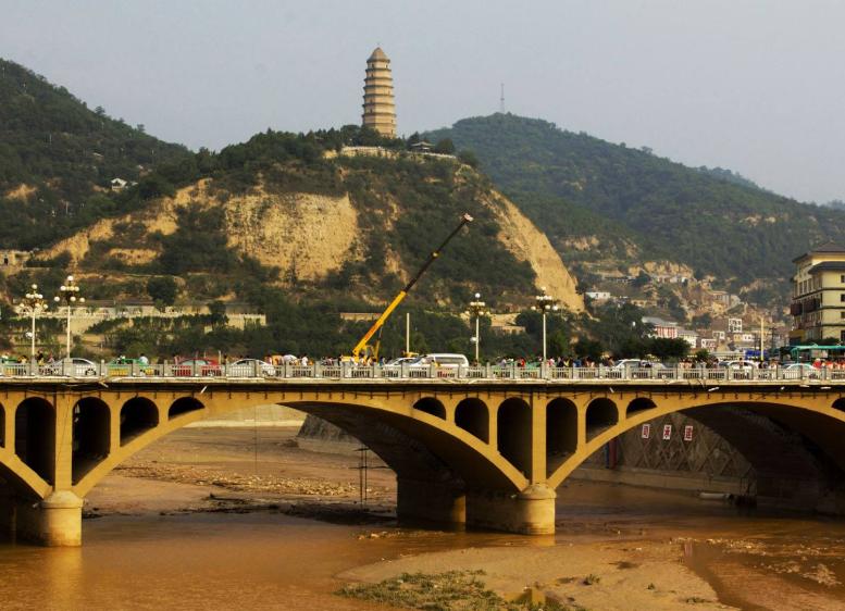 央视《新闻联播》头条报道陕西省延安整体脱贫后的新变化