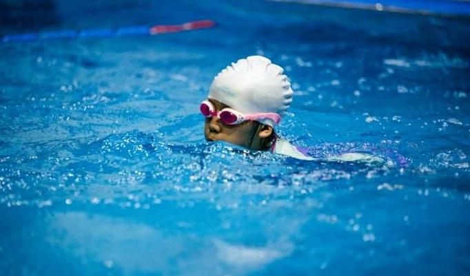 50次游泳卡用了1次就作废消费者质疑半年有效期不合法