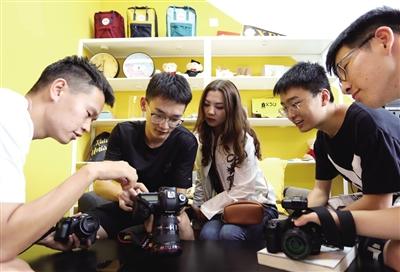 大学生拍微电影讲网络安全
