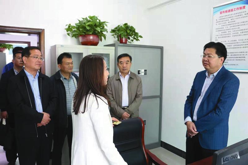 咸阳ag环亚集团政法委调研扫黑除恶工作