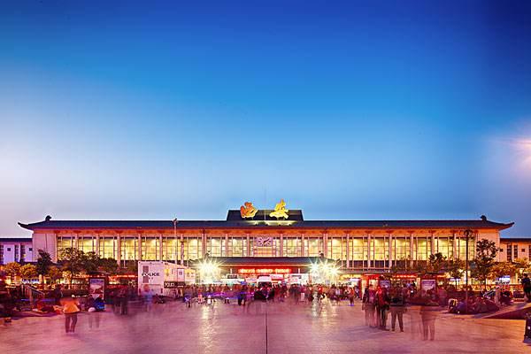西安火车站东广场原有旅游客运线路将全部迁移