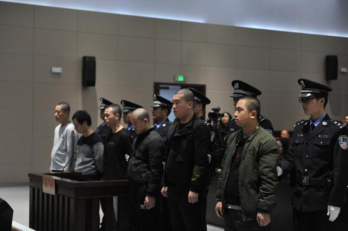 雁塔法院集中宣判6起黄赌案件     24名被告人获刑