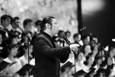 """厉害!西安男子能用口哨吹奏""""交响乐""""      期待能办演唱会"""