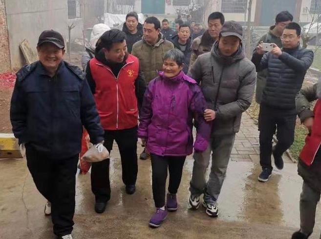 周至女子负气离家25年 秦鲁两地志愿者帮她返家