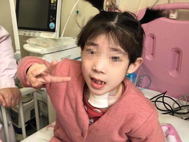 戴了半年的呼吸機撤掉后  6歲女孩要回家過年