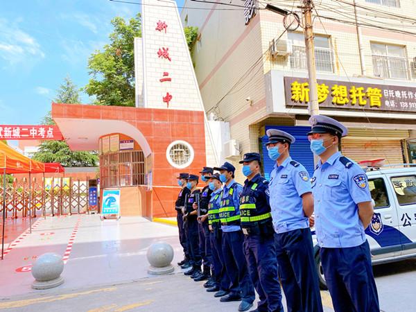 你们放心追梦,我们全力护航!韩城交警力保高考路安全畅通