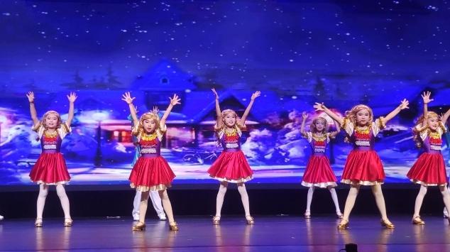 第六届少儿版童话剧《卖火柴的小女孩》展演活动成功举行