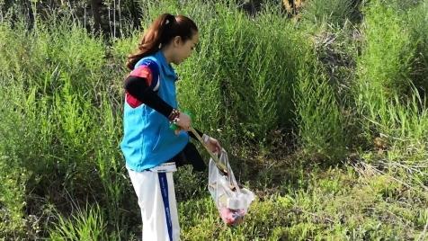 江河卫士之安塞区丨安塞鼓乡爱心志愿者协会环保小分队在行动