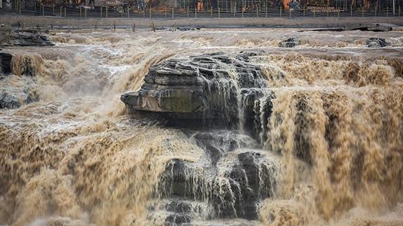 游山西·读历史  壶口秋风间,黄河在此欢聚,生命从此高歌