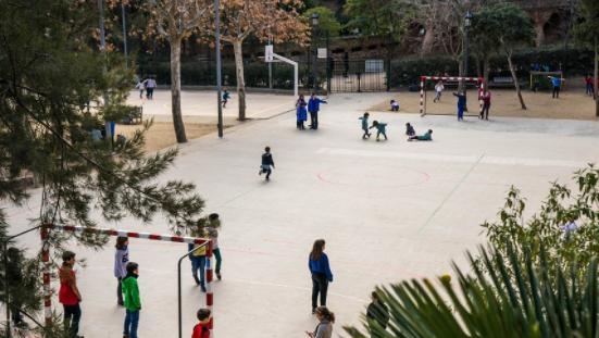 陕西省疾控中心:暑假建议中小学生每天2小时户外活动