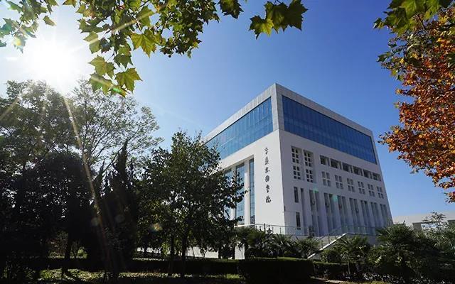 陕西服装工程学院创新思政教育
