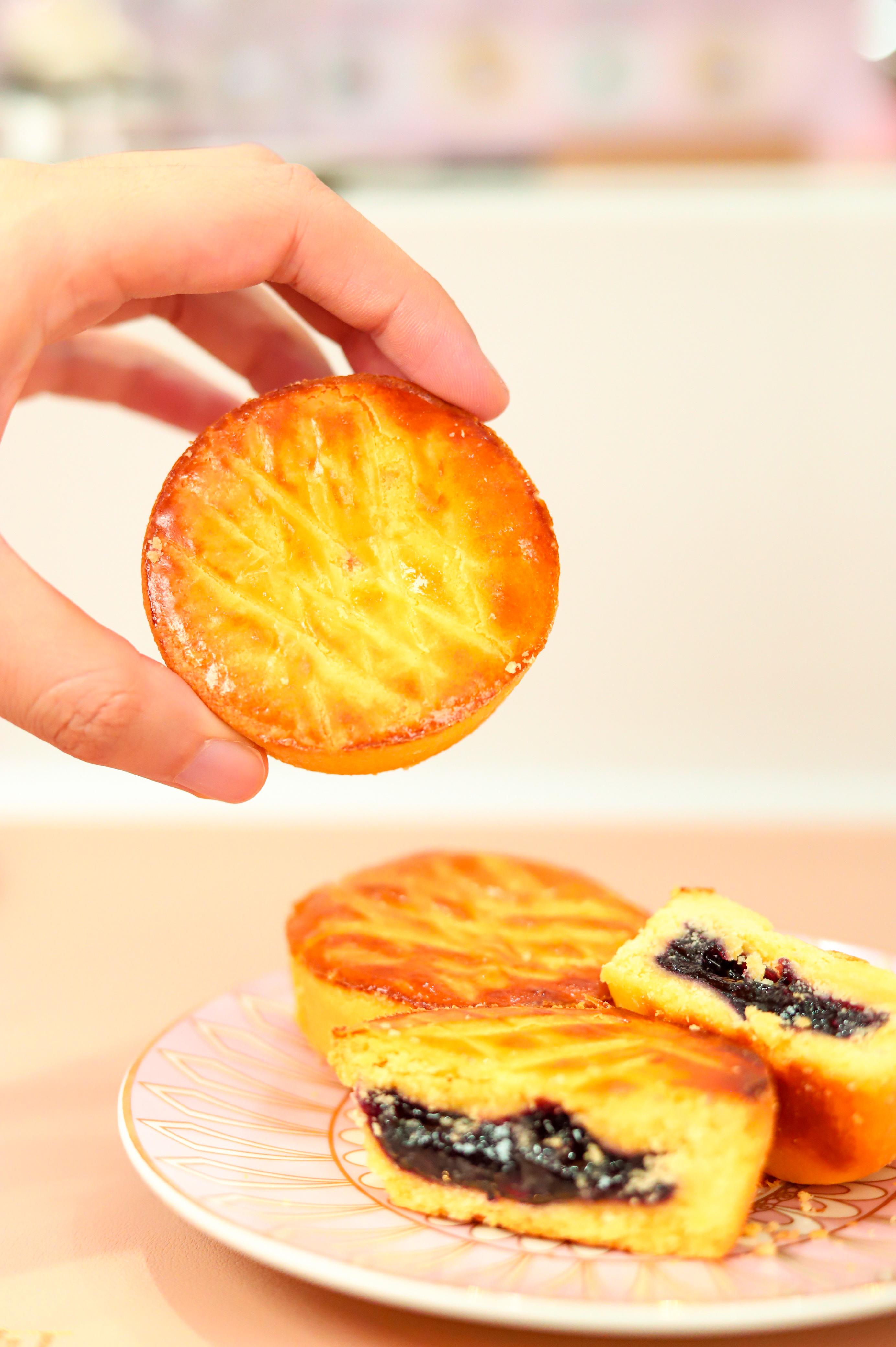 """""""减糖35% 纤维含量超过6%   御品轩推出高纤红豆月饼"""