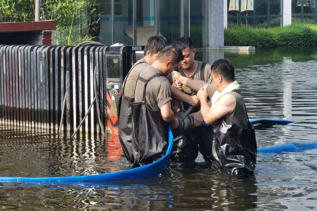 危难之时勇前行——铜川矿业公司救护大队赴河南抢险救灾群英谱
